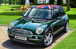 Revell 1/24 Mini Cooper 2001 Kit - 07166