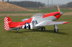 Flying Legends P-51 w/Ftd Hardware - q-fl100-b