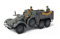 F.O.V. 1/32 German KFZ.70 Personnel - un80041